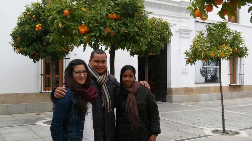 Cabezas, Mendoza y Cristina Alvarez, de AI a las puertas de la Asamblea