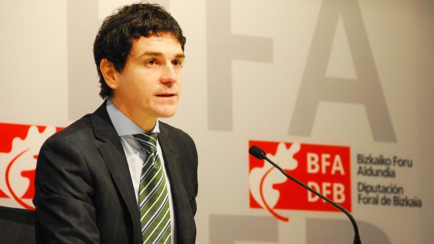 """Rementeria afirma que la recaudación en Bizkaia """"no va tan bien"""" como le gustaría y está por debajo de las previsiones"""