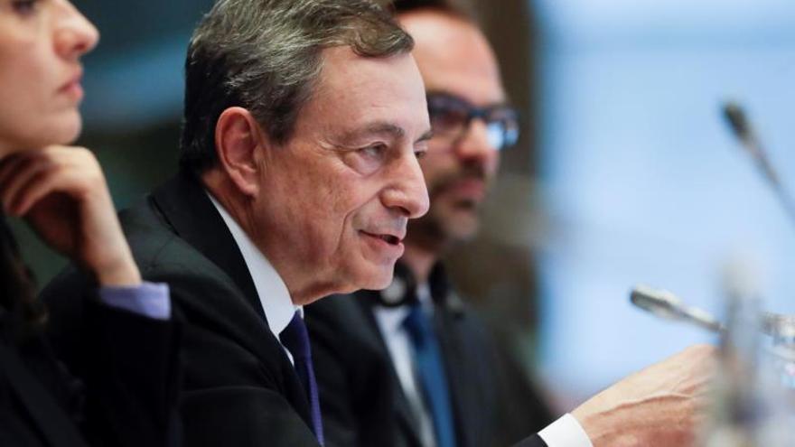 Draghi se despide con un aviso: no se vislumbra un repunte en la eurozona