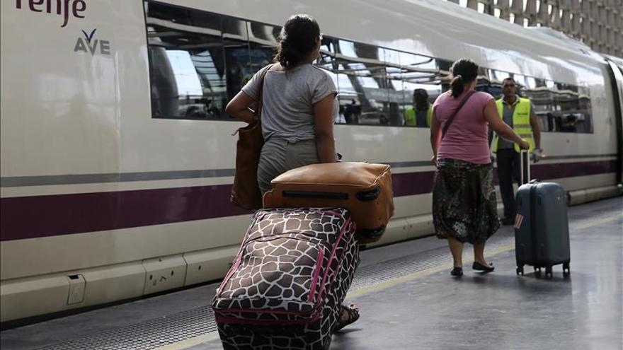 Renfe lanza el BonoAVE para distintos viajeros pero con un mismo trayecto