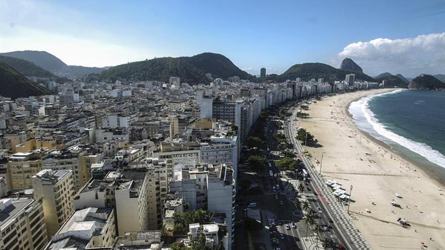 La economía de Brasil caerá un 3,25% este año, según sondeo publicado por el Banco Central