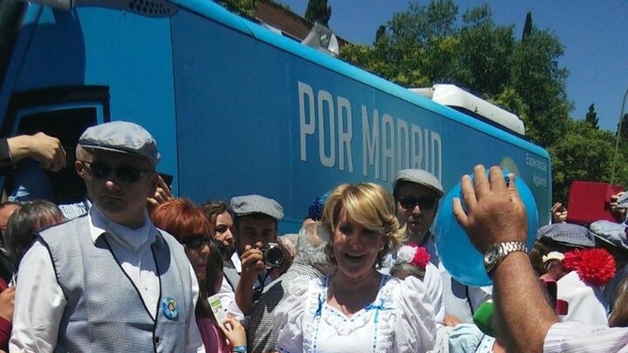 """Aguirre pide al Santo """"trabajo para todos los madrileños"""" y unidad """"a pesar de que haya una campaña"""""""