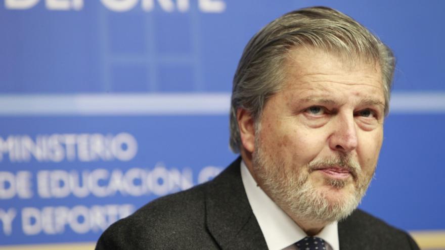 Méndez de Vigo pide a los candidatos que digan a qué partido van a apoyar en caso de pactos postelectorales