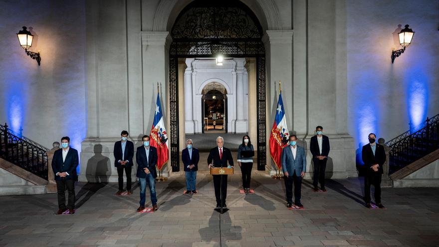 Chile debate si aplaza las megaelecciones a mayo por el agravamiento de la pandemia