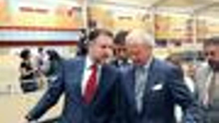 El Rey Carlos Gustavo de Suecia viaja en AVE