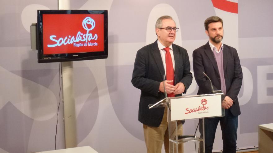 González Tovar exige explicaciones al presidente Garre sobre el aeropuerto de Corvera