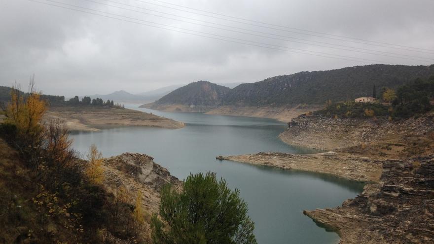 La falta de lluvias acumuladas, las altas temperaturas y el descenso hídrico en verano agudizan la sequía