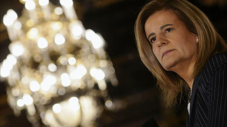 Báñez anuncia una nueva ley que ampliará la protección social a los trabajadores del mar