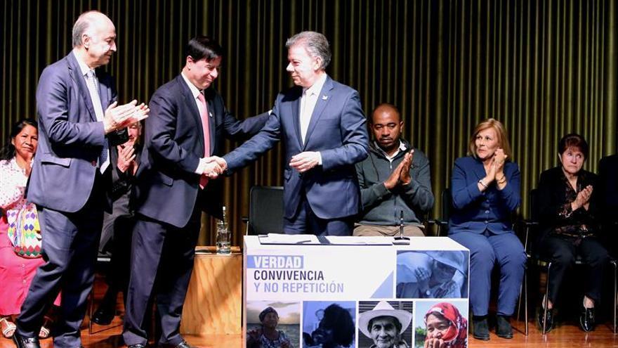 Santos dice que el fin conflicto no solo es desarme sino admitir la responsabilidad