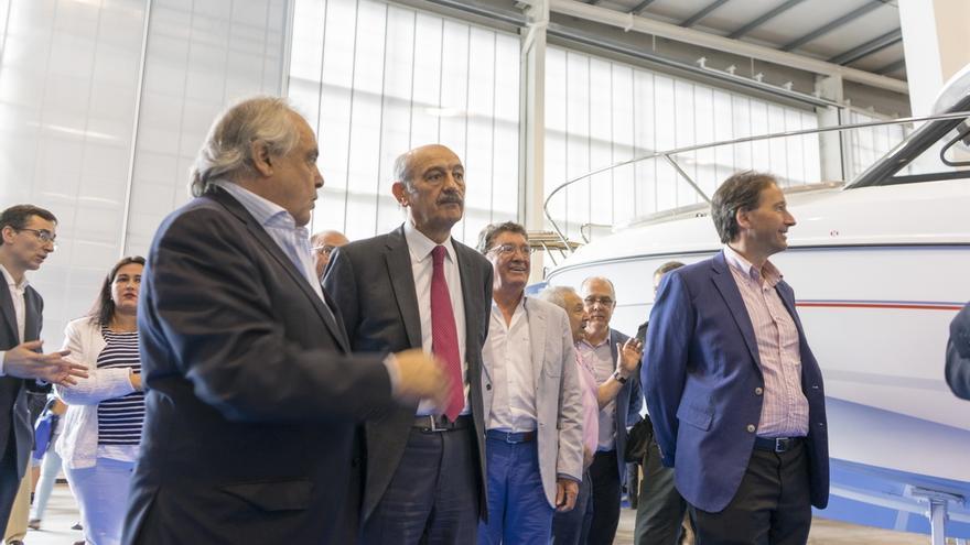 """Mazón destaca que el Salón Náutico de Cantabria """"potenciará"""" el Puerto de Laredo"""