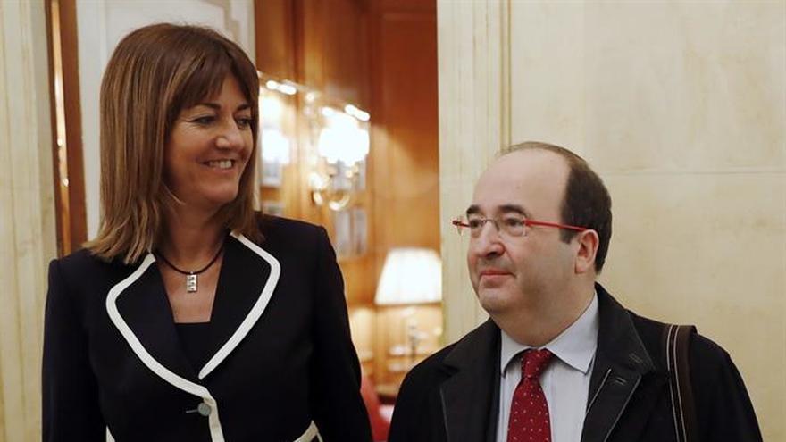 """Mendia ofrece el acuerdo en Euskadi frente al """"diálogo de sordos"""" en Cataluña"""