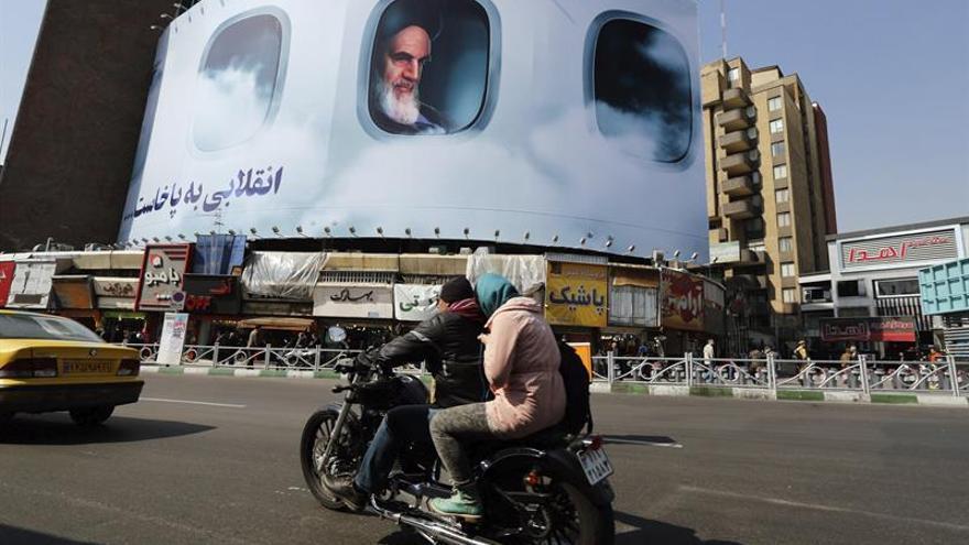 Jameneí:armas químicas y nucleares son único tabú de programa militar de Irán