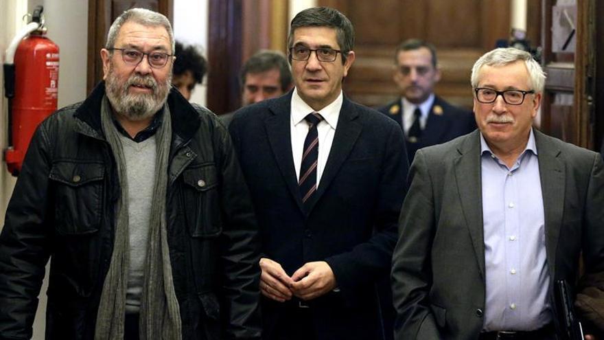 CCOO y UGT piden a Patxi López más protagonismo en la vida parlamentaria