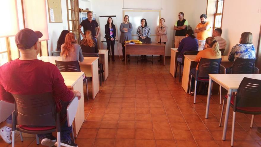 Presentación del Proyecto de Formación en Alternancia con el Empleo (PFAE ) 'Puntagorda, protege tu medio natural'.