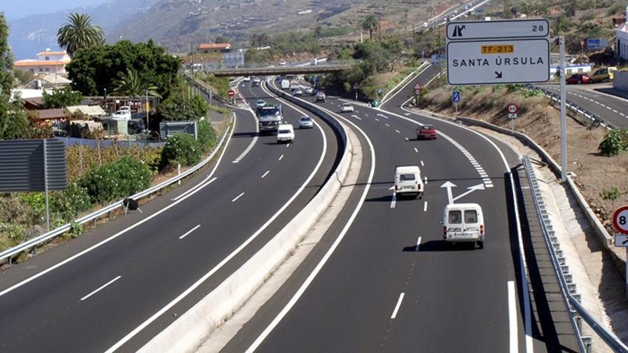 La vía TF-5, a su paso por el municipio de Santa Úrsula