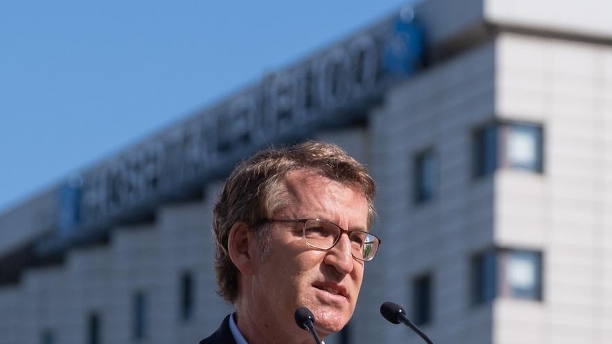 El presidente de la Xunta, Alberto Núñez Feijóo, hace declaraciones a los medios en el acto del arranque de las obras del hospital Gran Montecelo