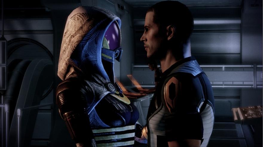 Mass Effect pedida de mano