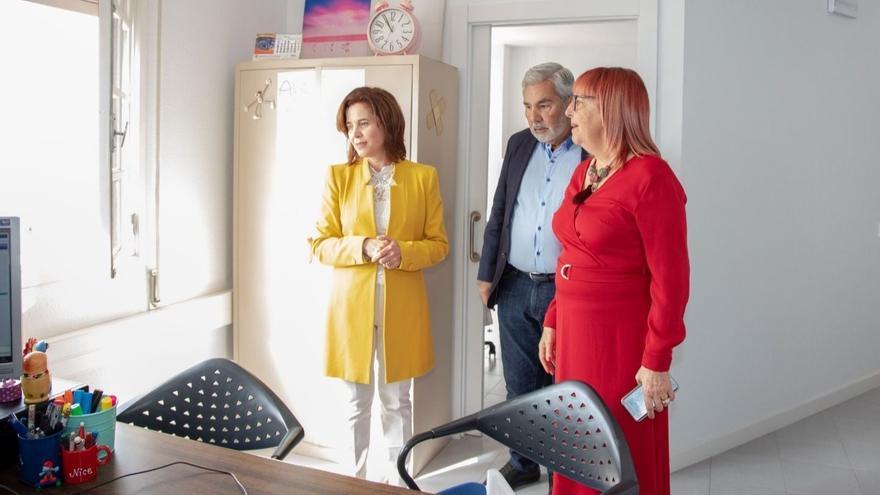 La consejera de Sanidad del Gobierno de Canarias, Teresa Cruz, visita las nuevas instalaciones de Salud Mental en Adeje