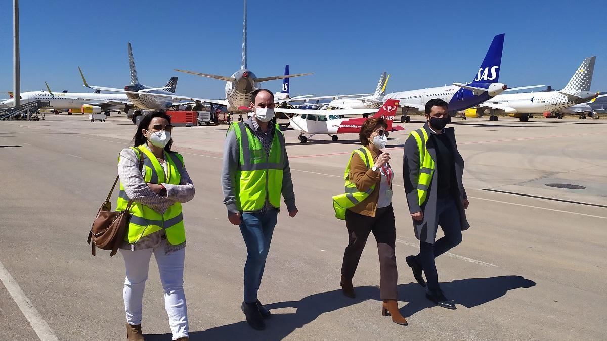 El alcalde de Sagunt ha visitado el aeropuerto de Castelló.