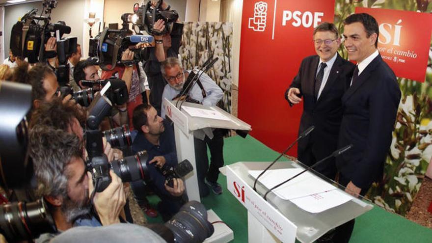 Ximo Puig i Pedro Sánchez en un acte del PSOE a València.