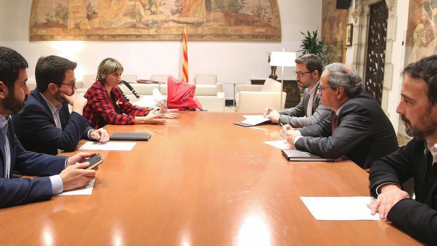 El expresident de la Generalitat, Quim Torra, se reúne con el vicepresident y varios altos cargos durante la crisis de la COVID