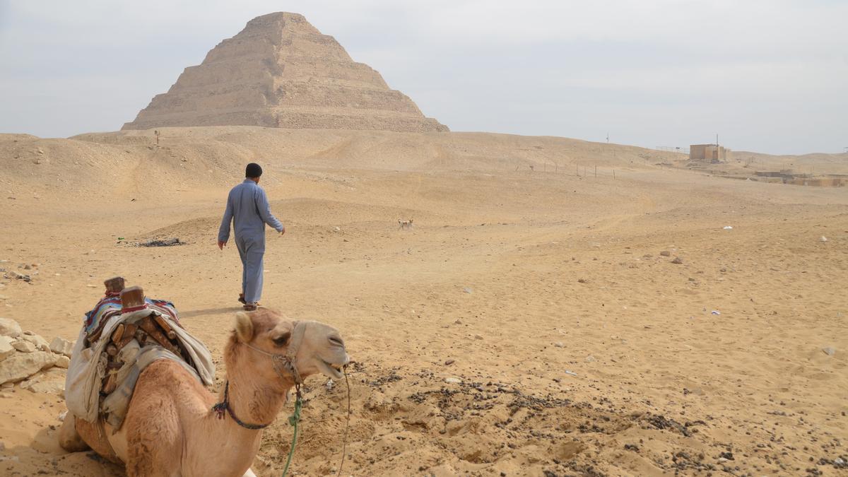 Saqqara ofició de necrópolis de Menfis durante buena parte del Imperio Antiguo egipcio.