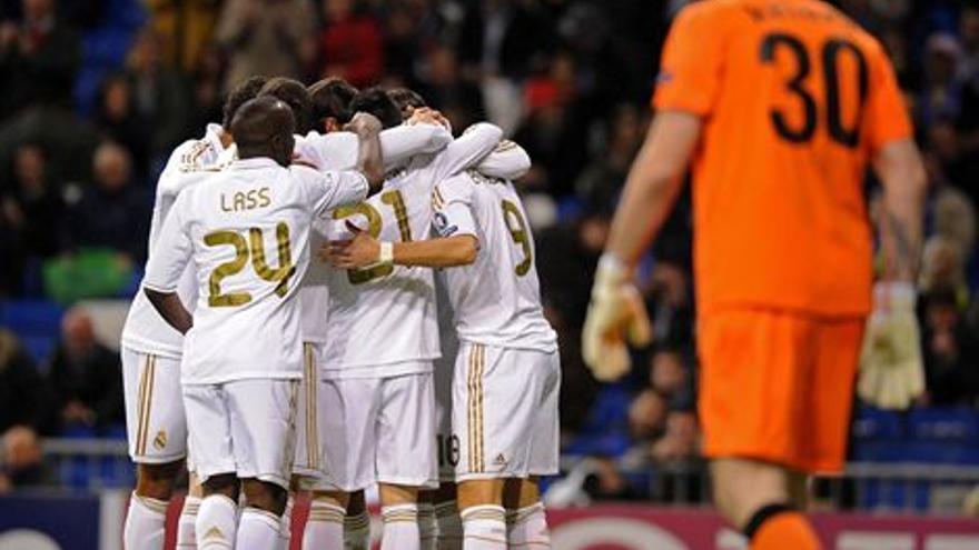 La plantilla del Real Madrid celebra uno de los goles (EUROPA PRESS).