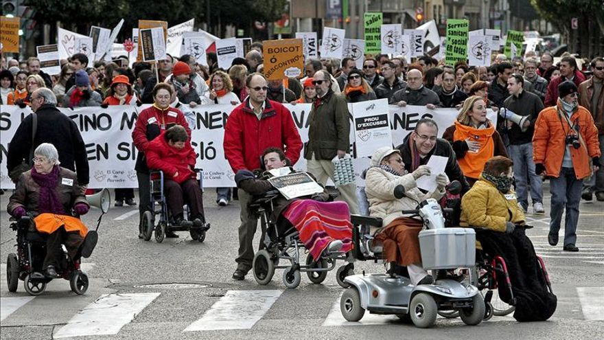 Manifestación de dependientes por la falta de cumplimiento de la ley