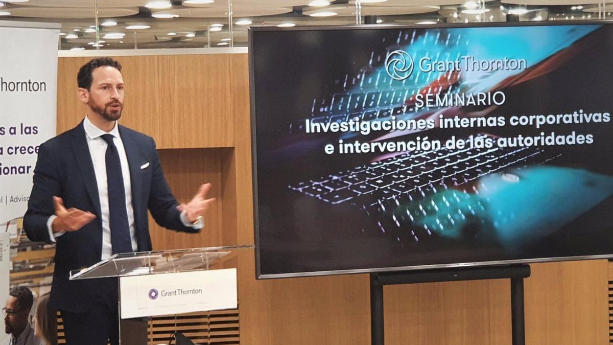Rafael Aguilera, durante su intervención en el foro sobre investigación interna en empresas.