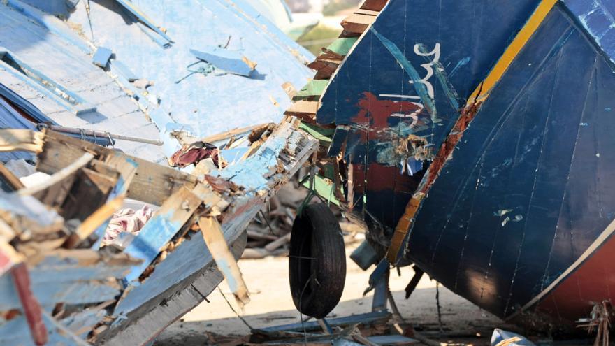 Restos de un naufragio en el puerto de Lampedusa, Italia, julio 2013 © AP Photo/Gregorio Borgia