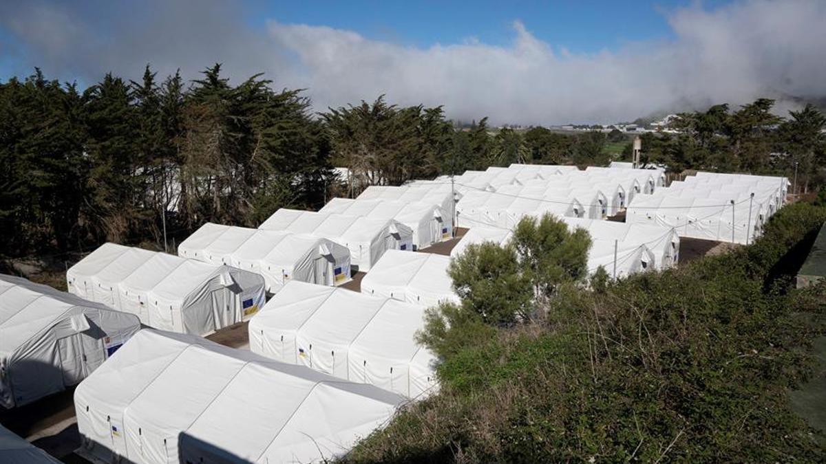 Carpas instaladas en el Centro de Acogida Temporal de Extranjeros de Las Raíces (La Laguna), que tiene una capacidad para 2.000n personas.