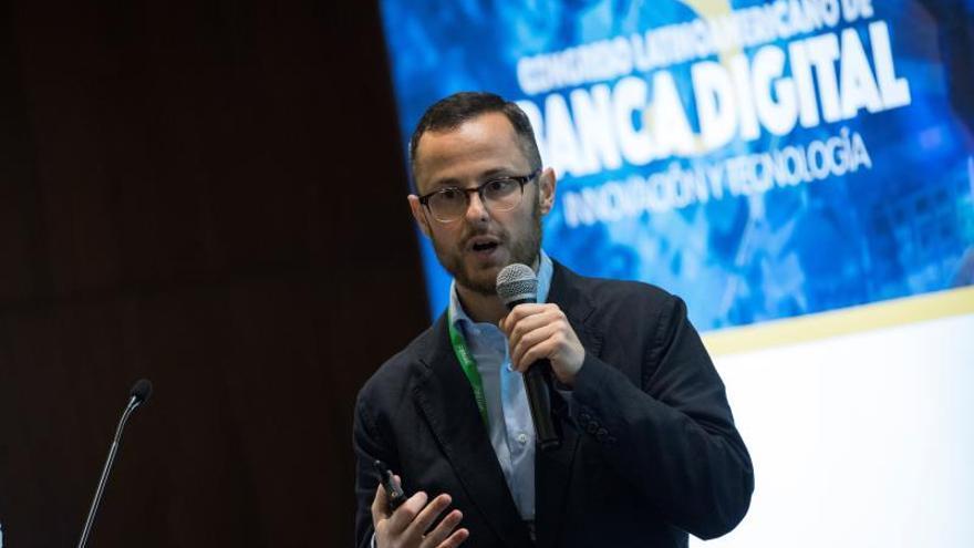 Analizan en Santo Domingo la digitalización e innovación de la banca regional