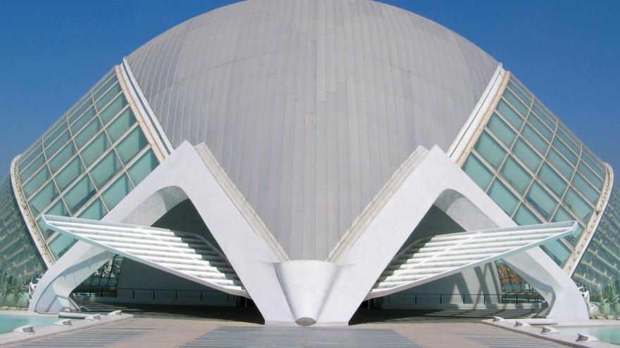 Edificio de L'Hemisfèric, en la Ciudad de las Artes.