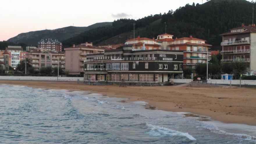 Hotel Miramar de Castro Urdiales   R.A.