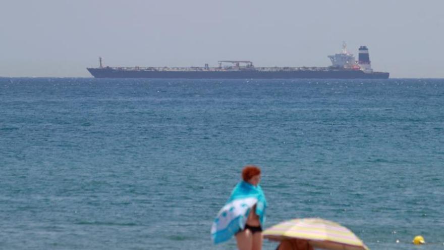 Gibraltar detiene a un superpetrolero que llevaba petróleo crudo a Siria