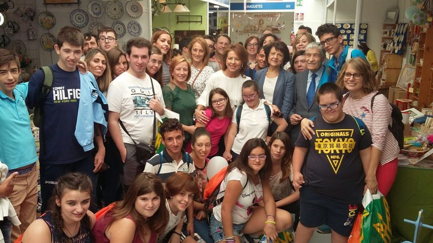 La consejera de Bienestar Social, Aurelia Sánchez, de visita en FARCAMA FOTO: Consejería de Bienestar Social