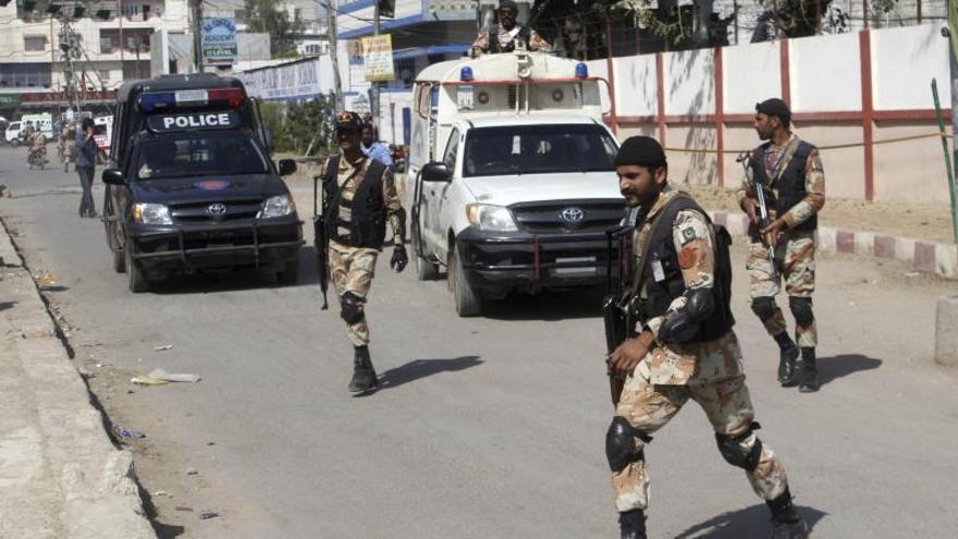 Mueren dos policías y un civil por atentados en la ciudad paquistaní de Karachi