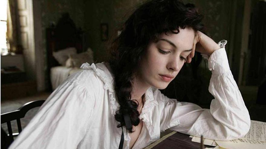 Anne Hathaway como Jane Austen