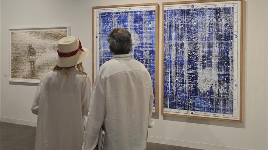 La voz y el empuje de los artistas latinoamericanos resuena en la feria Art Basel Miami Beach