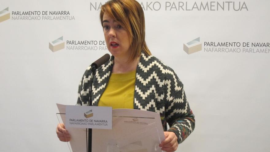 Presidenta del Parlameno navarro dice que no ha se la notificó la fecha del juicio por insultos que recibió en Twitter