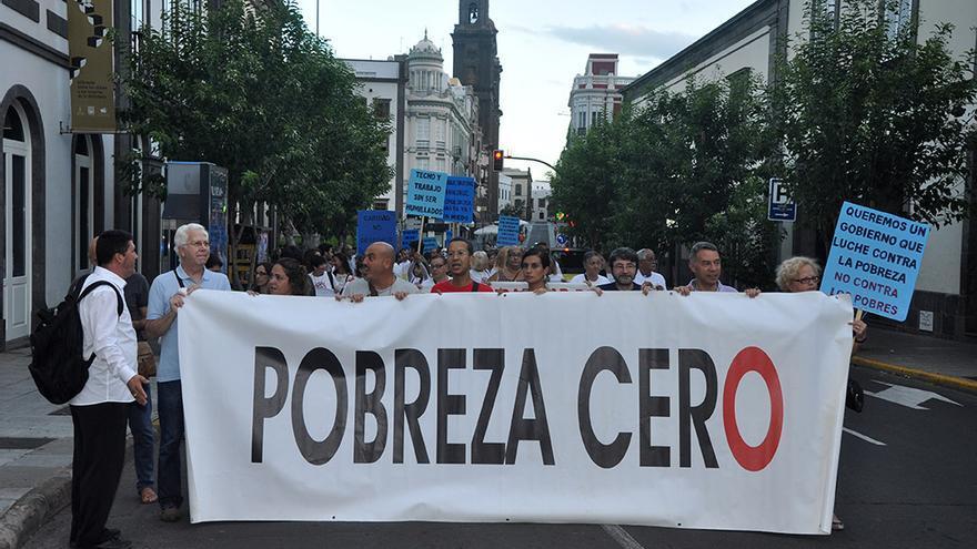 Cerca de un millar de personas piden la erradicación de la pobreza en LPGC.