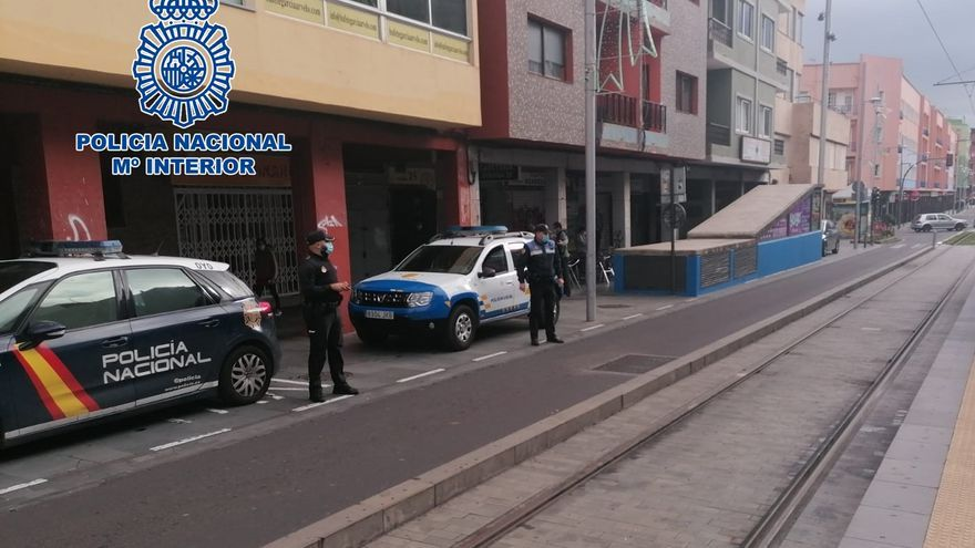 Más controles policiales para frenar los contagios de COVID-19 en la provincia de Santa Cruz de Tenerife
