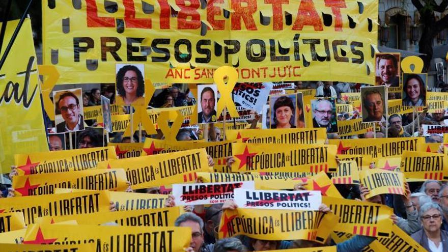 Torra participa en manifestación por la libertad de los soberanistas presos