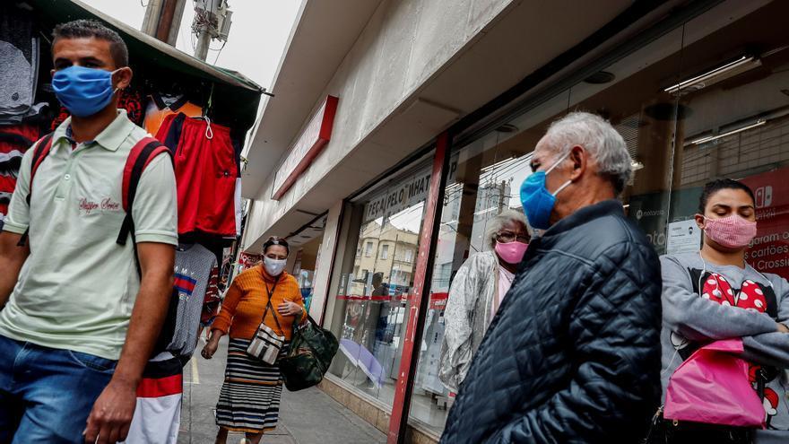 La pandemia aún avanza en un Brasil inmerso en los ensayos de varias vacunas