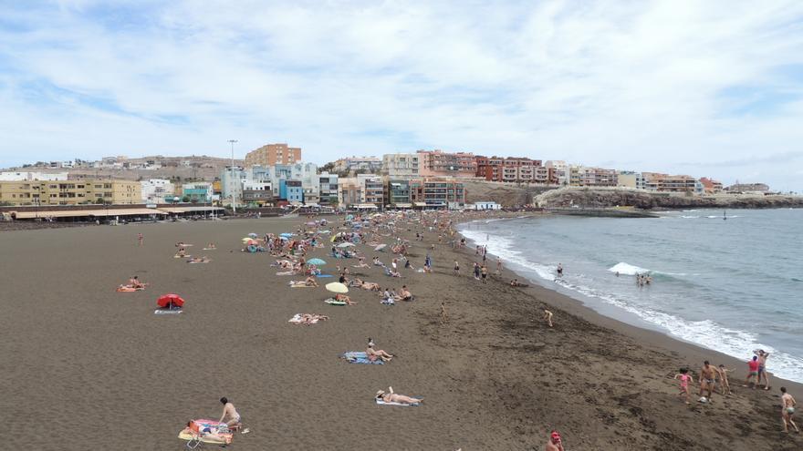 La playa de Melenara renueva su bandera azul