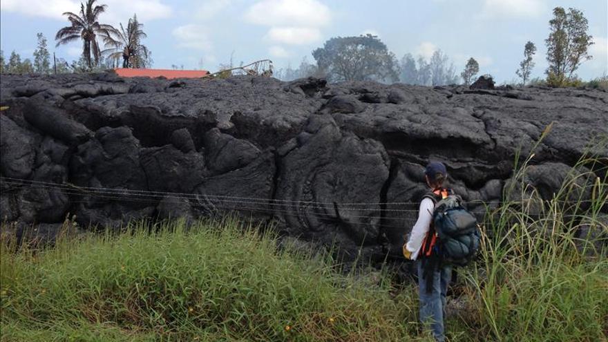 La lava del volcán Kilauea avanza en Hawai y amenaza varias casas