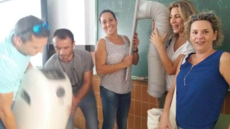 Madres y padres del CEIP San Jacinto han decidido colocar un aire acondicionado en una clase