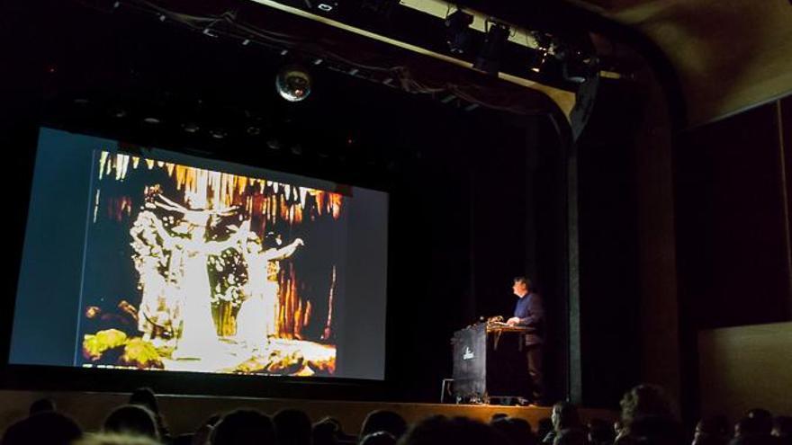 Juanjo Javierre puso banda sonora a películas de Segundo de Chomón en la presentación de Retina.