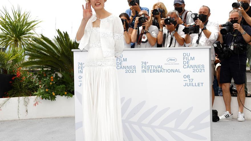 """""""Bergman island"""", una aproximación a Bergman que naufraga en Cannes"""
