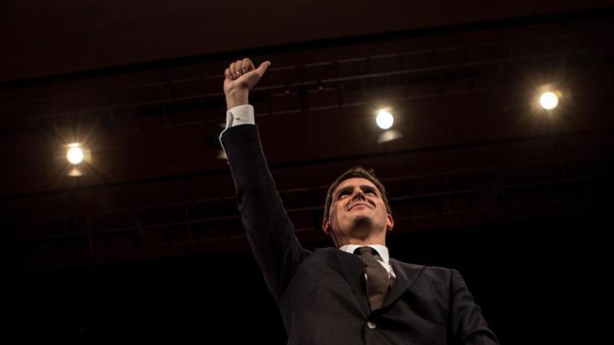 """Rivera admite que es """"difícil"""" que Arrimadas pueda gobernar aunque gane"""